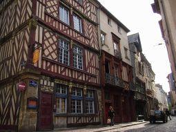 レンヌ~木組みの町並みが可愛らしいブルターニュ地方の玄関口~