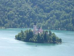 ~ブレッド湖~アルプスを望むスロヴェニアのリゾート地