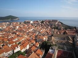 城壁の町、ドブロブニクを歩く