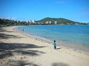 【写真右】こんなにきれいなビーチ♪