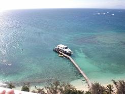 ニューカレドニアの無人島、アメデ島でシュノーケリングやグラスボート三昧!