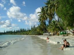 ニューカレドニア、2大オプショナルツアーのアメデ島とノカンウィ島 どっちがどうだ?
