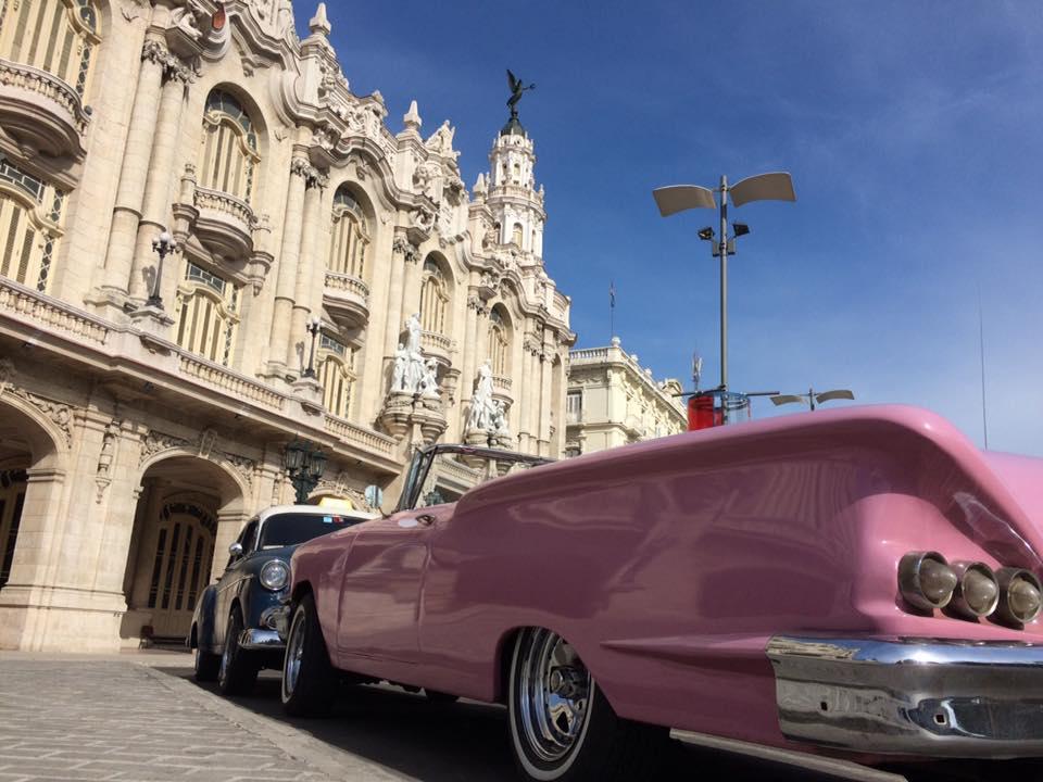 ●キューバといえば? そう、【クラシックカー!】