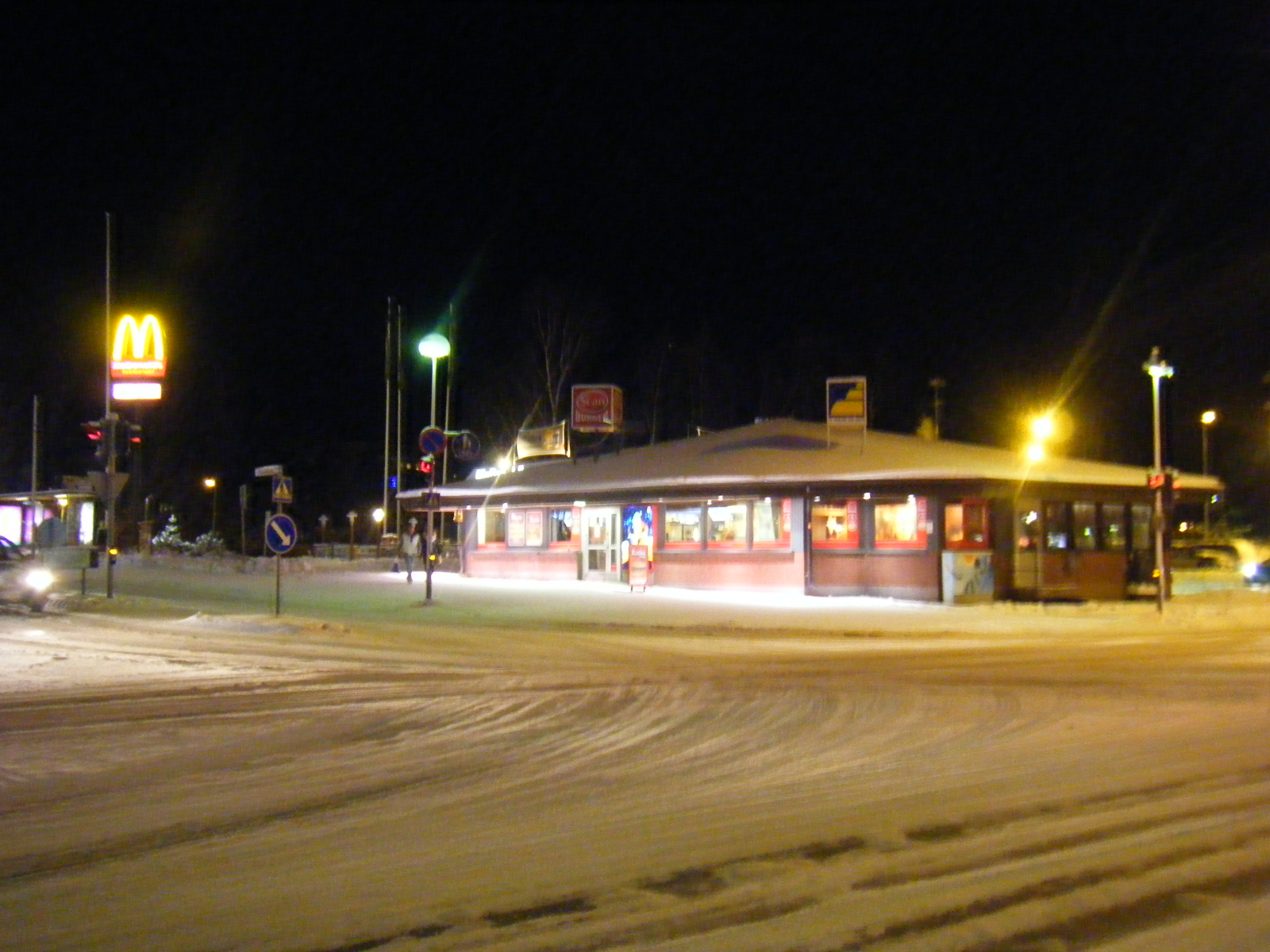 北極圏に2軒しかないマクドナルド