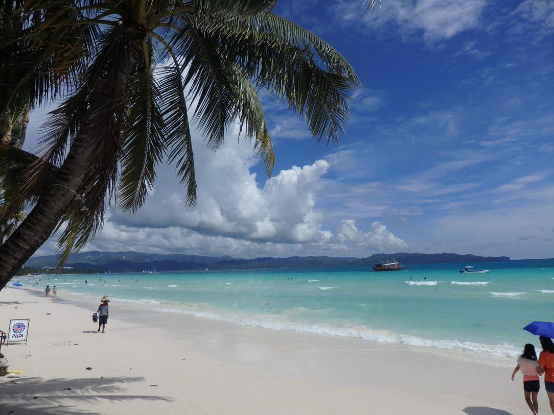 ボラカイ島のホテルどこにする?