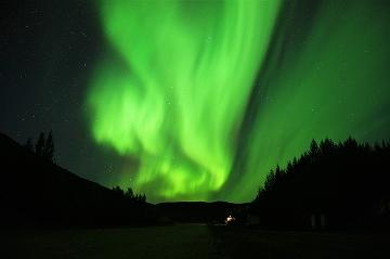 オーロラ見るなら、秋のアラスカ!