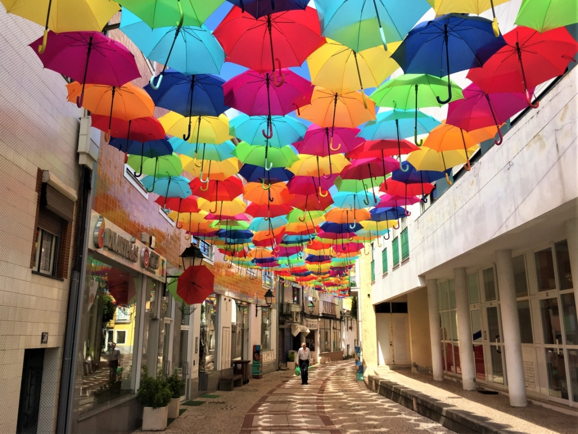 ☆カラフルな傘の絶景アゲダ☆