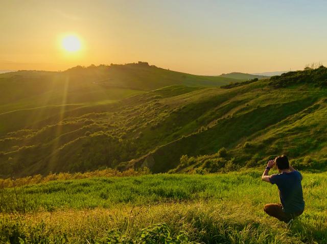 世界遺産、絶景広がるオルチャ渓谷へドライブ