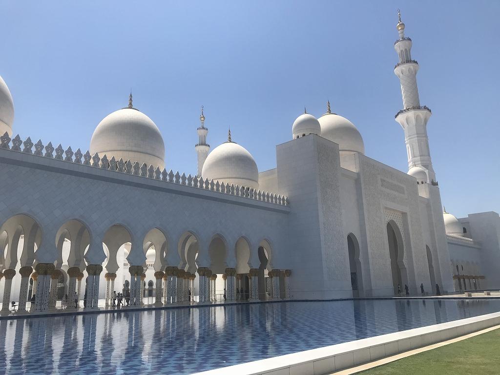 【完全攻略】真っ白な「シェイクザイードグランドモスク」の...