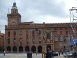 市庁舎(コムナーレ宮殿)