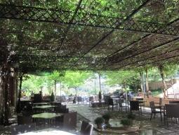 パラドール レストランの中庭