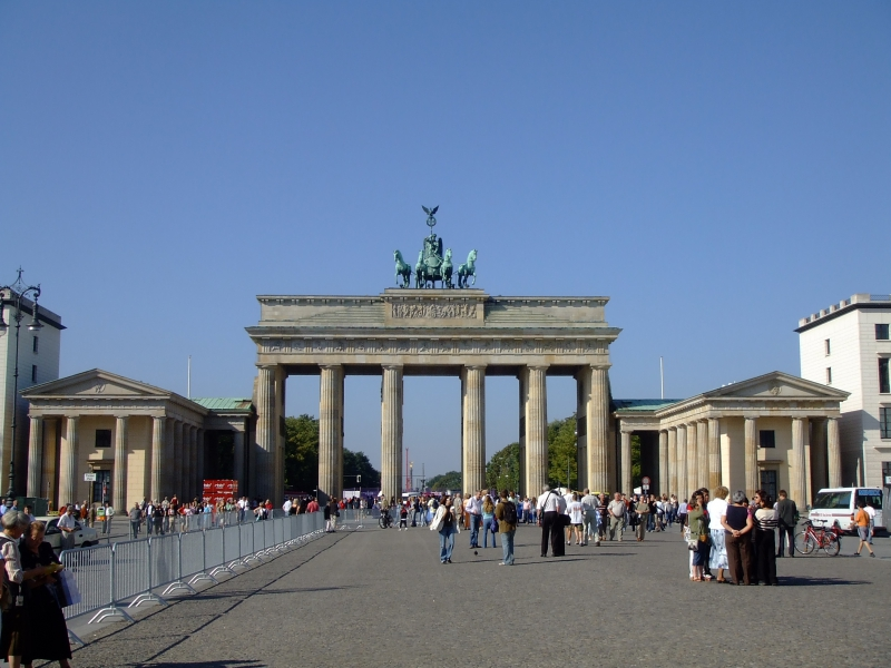 日本語ガイド 半日 気になるベルリンの歴史、ベルリンの壁散策午前観光