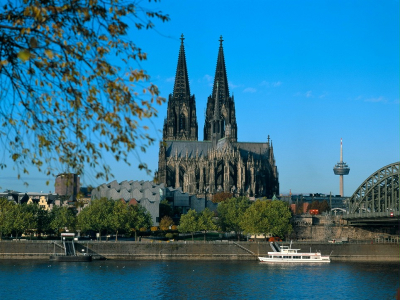 日本語ガイド 半日 世界遺産ケルン大聖堂と旧市街 午前ウォーキングツアー