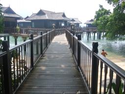 水上カテゴリーへの桟橋
