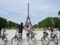 電動自転車で行くパリ市内観光 パリの隠れた魅力と秘密を発...