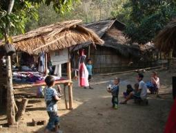 ラオ族の村