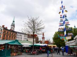 ヴィクトリアーリエン市場(Viktualienmarkt)