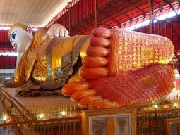 巨大寝釈迦仏チャウタッジーパゴダ