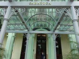 ホテル サラトガ