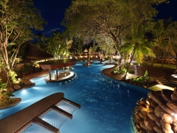 バリ・マンディラ・ビーチリゾート&スパのプール