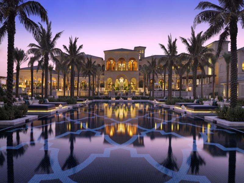 砂漠ホテル