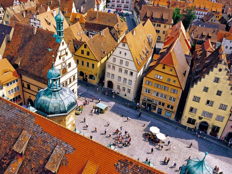 ローテンブルクとハルブルク、ロマンチック街道1日観光 ミュンヘン発着