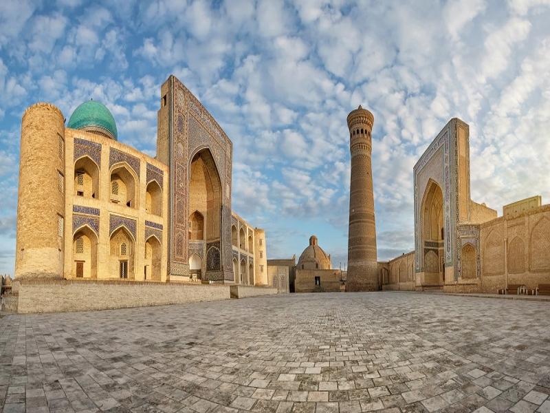 カラーン・ミナレット&モスク