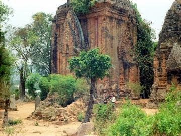 ポーガナル塔 Thap Po Nagar