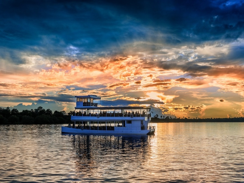 ザンベジ川のサンセットクルーズ
