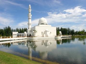 トゥンク・テンガー・ザハラ・モスク