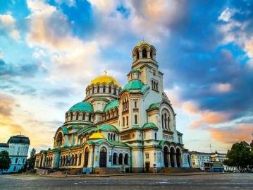 ≪新千歳発着エミレーツ航空≫一度の旅行でルーマニア×ブルガリア2カ国周遊!エキゾチックな魅力あふれるソフィア&美しい街並み残るブカレスト7日間【日本国内線と後泊ホテル代込】
