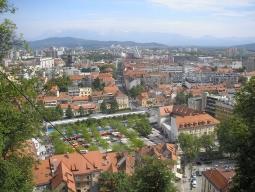 【福岡発着】【出発して同日着】スロヴェニア&クロアチア2ヵ国周遊♪往路送迎!ブレット湖&ポストイナ鍾乳洞を巡る♪世界遺産プリトヴィツェ泊!リュブリャナ&スプリット&ドブロブニク8日間