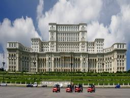 美しい街並み残るブカレスト5日間 安心の往復送迎&ブカレスト市内半日観光ツアー付き♪ 市内2~3星ホテル滞在!