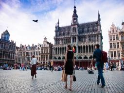 【福岡発】《福岡空港発 キャセイパシフィック航空利用》世界で最も美しい広場がある街で美食巡りの旅 ブリュッセル5日間 価格重視のホテル未定プラン