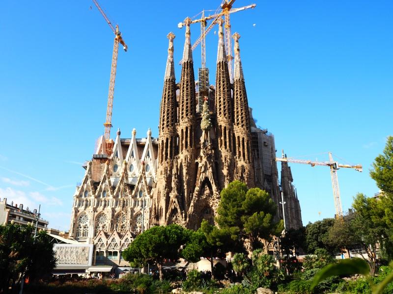ガウディ建築のバルセロナ×ドーハ周遊