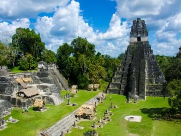 グアテマラ&ベリーズ2ヵ国周遊 マヤの英知世界遺産ティカル遺跡と神秘の青ブルーホール遊覧観光 8日間