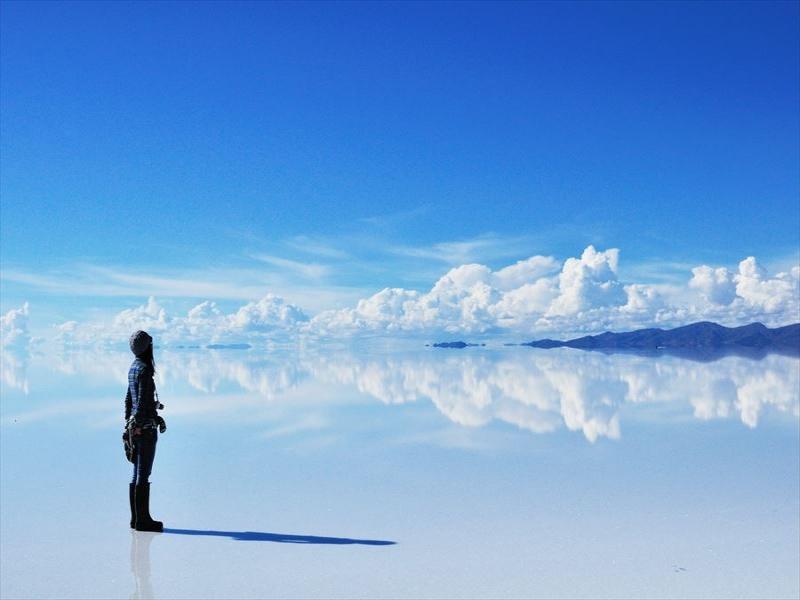 女子旅特典付♪ウユニ塩湖を専用ガイド&専用車で巡る旅