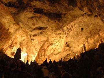 ヨーロッパ最大の鍾乳洞!ポストイナ鍾乳洞へ