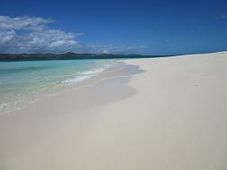 世界遺産の海、ニューカレドニアのグリーン島♪