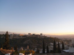 アルハンブラ宮殿の2つの楽しみ方