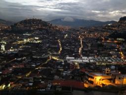 世界遺産キト旧市街の夜景観賞&ディナー