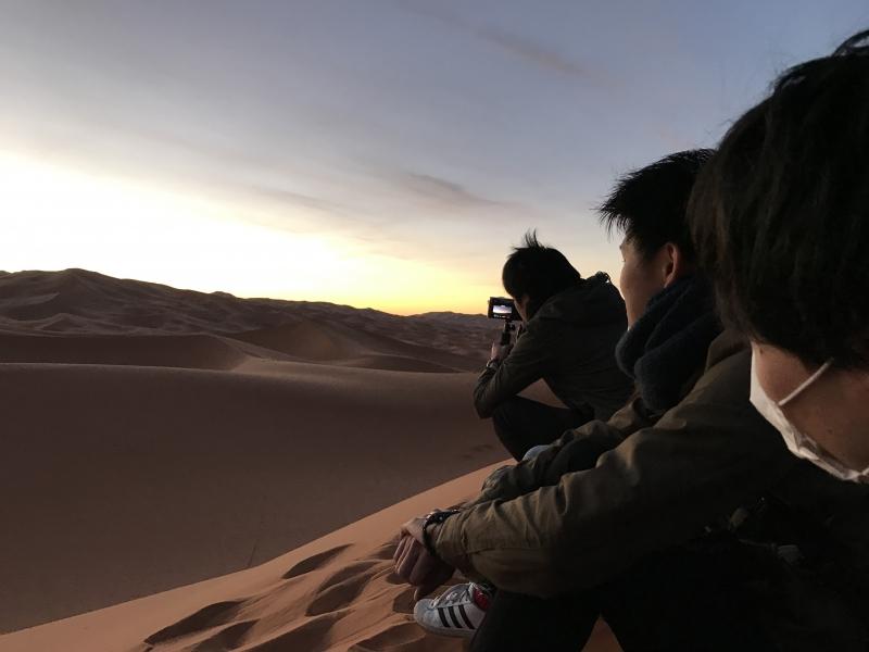 人は何故砂漠に惹かれるのか