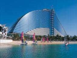 ジュメイラ ビーチ ホテル