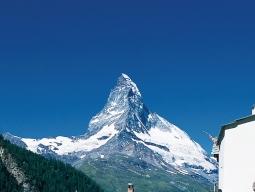 アルプス2大名峰&氷河特急&ゴールデンパスラインに乗車!ツェルマット2連泊&レマン湖畔のローザンヌにも宿泊!スイス8日間