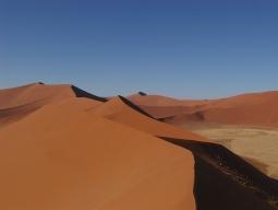 <南アフリカ航空利用>美しいナミブ砂漠とビクトリアの滝+チョベ国立公園+ケープタウンを訪れる南部アフリカ5ヵ国周遊10日間