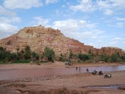 ラクダに乗って朝日を観る!サハラ砂漠に建つオーベルジュ&アイトベンハッドゥに泊まる!モロッコ周遊9日間≪羽田発カタール航空≫