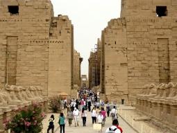 安心の日本語スルーガイドがご案内!カイロ+ルクソール観光つきエジプト2都市周遊7日間