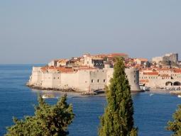 【早期予約特典有】出発して同日着!アドリア海の楽園クロアチア!列車とバスで巡る人気3都市 ザグレブ&スプリット&ドブロブニク周遊7日間