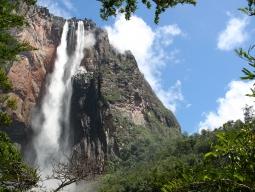 JALマイルたまるアメリカン航空☆ボートツアーで間近に迫る!ギアナ高地、世界最長の滝エンジェルフォール!アットホームなパラカウパロッジ 8日間