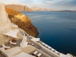 エーゲ海を眺めるデザインホテル♪イア地区ミスティークに3連泊≪満足度高評価★エミレーツ航空利用≫サントリーニ&アテネ8日間